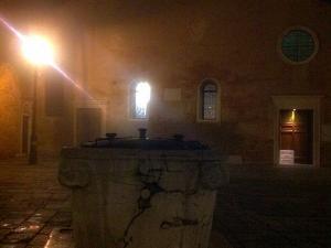 Campo San Giacomo di notte
