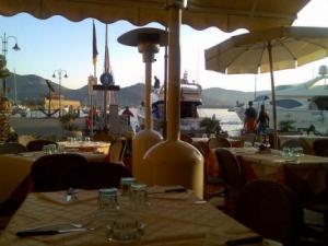 Trattoria Pizzeria Il Garibaldino_tavolini