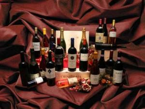 Norcineria Cesqui- esposizione vini