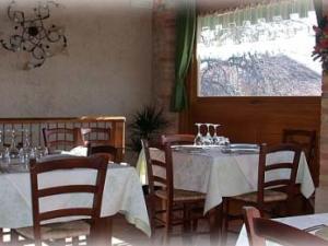 Sala con tavoli