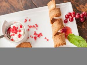 Dessert con ribes