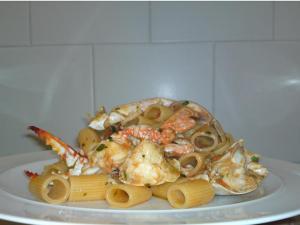 Mezzemaniche granchi e calamari