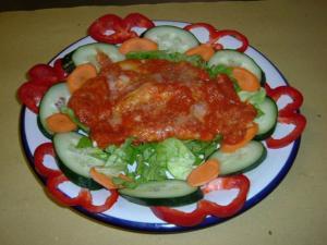 Enchiladas - tortillas con pollo e verdure fresche