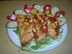 Tacos - tortillas con salsa chili carne di maiale e verdure