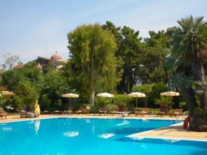 La piscina del Castello San Marco