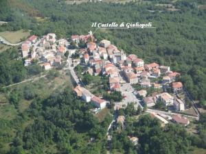 Vista aerea del castello