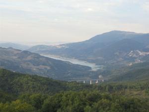 Vista sul lago di Bomba