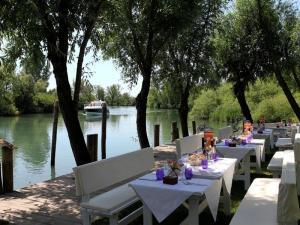I tavoli a bordo fiume