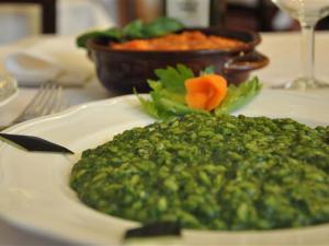 Risotto verde agli spinaci e formaggi
