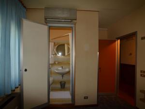 Interno stanza - hotel Astoria