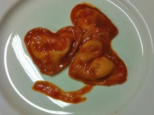 Cuori al pomodoro ripieni di bufala e basilico